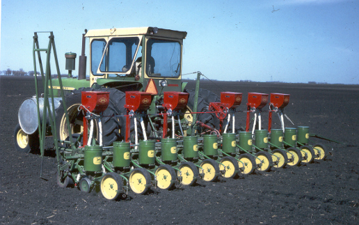 JD%2071%20planter%20rear.jpg